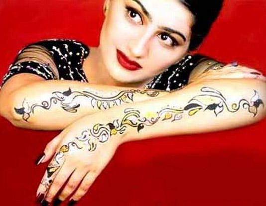 Pakistani-Mehndi-tattoo-Designs-For-Hands