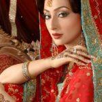 ayesha-khan-mehndi-dresses
