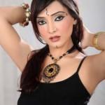 Amna Karim hot sindhi style photos