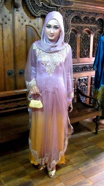 islamic women hijab, by Dian Pelangi