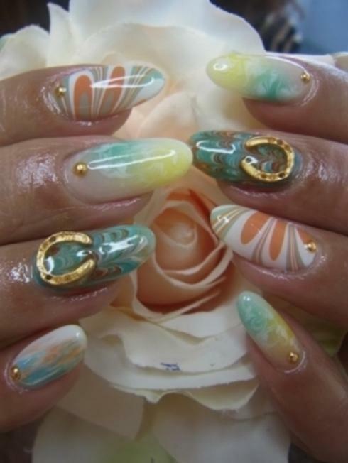 acrylic nails and gel nails