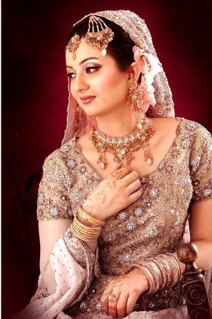 Uzma's Bridal Salon Lovely Wedding Mehndi Barat Makeup Looks