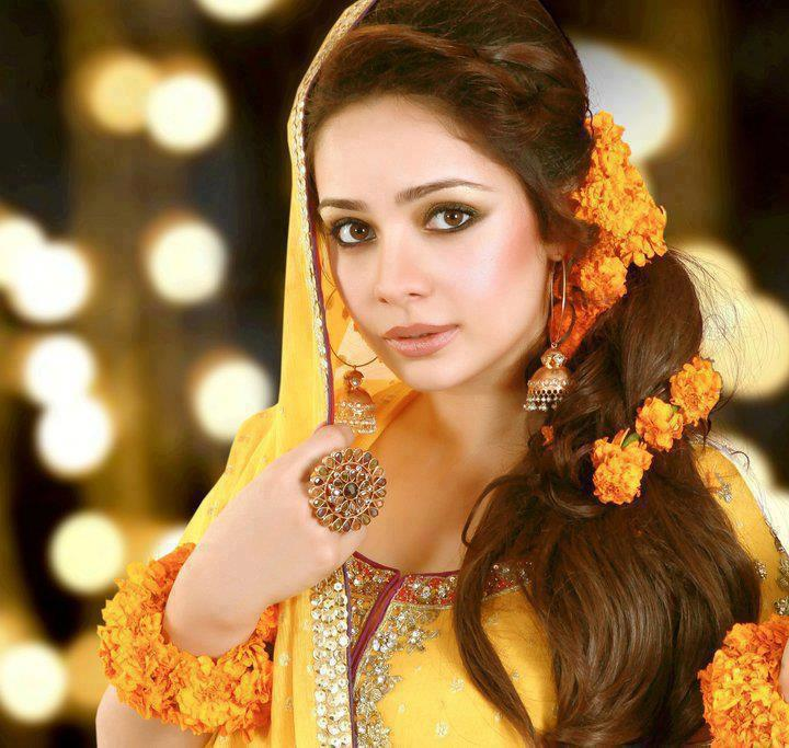 Actress Juggan Kazim Mehndi Barat Wedding walima Pictures 2013 With Feisal Naqvi 02