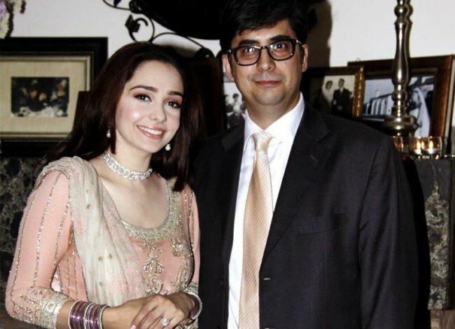 Actress Juggan Kazim Mehndi Barat Wedding walima Pictures 2013 With Feisal Naqvi 07