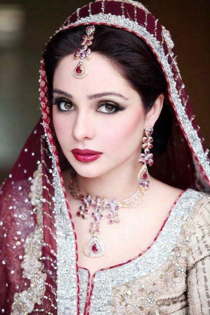 Actress Juggan Kazim Mehndi Barat Wedding walima Pictures 2013 With Feisal Naqvi 12