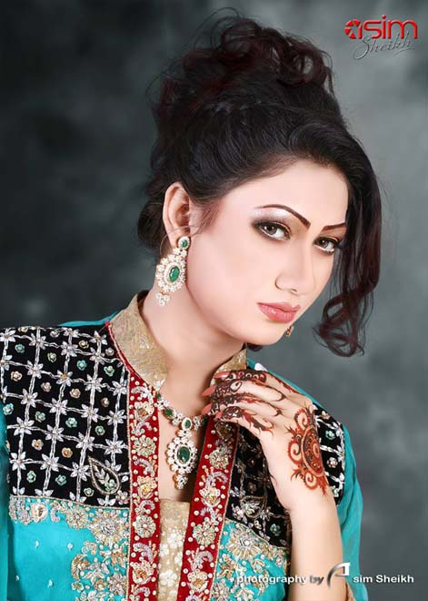 Rose Beauty Parlor Stylish Bridal Makeup 2014 For Dulhans (6)