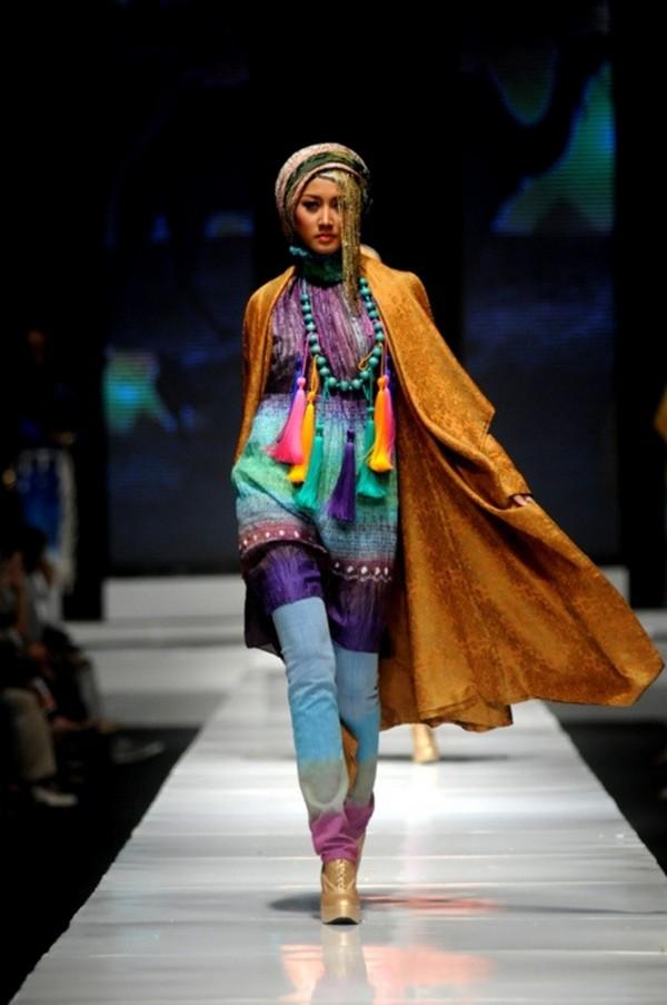 New Veil Hijab Design 2014 by Designer Dian Pelangi (1)