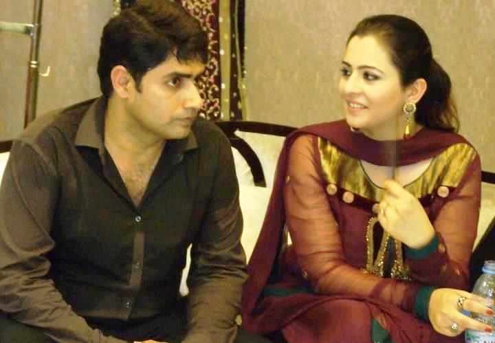 Abrar-ul-Haq with his wife Hareem Pics