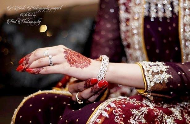 Light Arabic Mehndi Designs