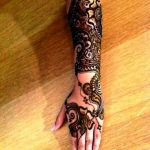 Full hand to make Mehndi Designs